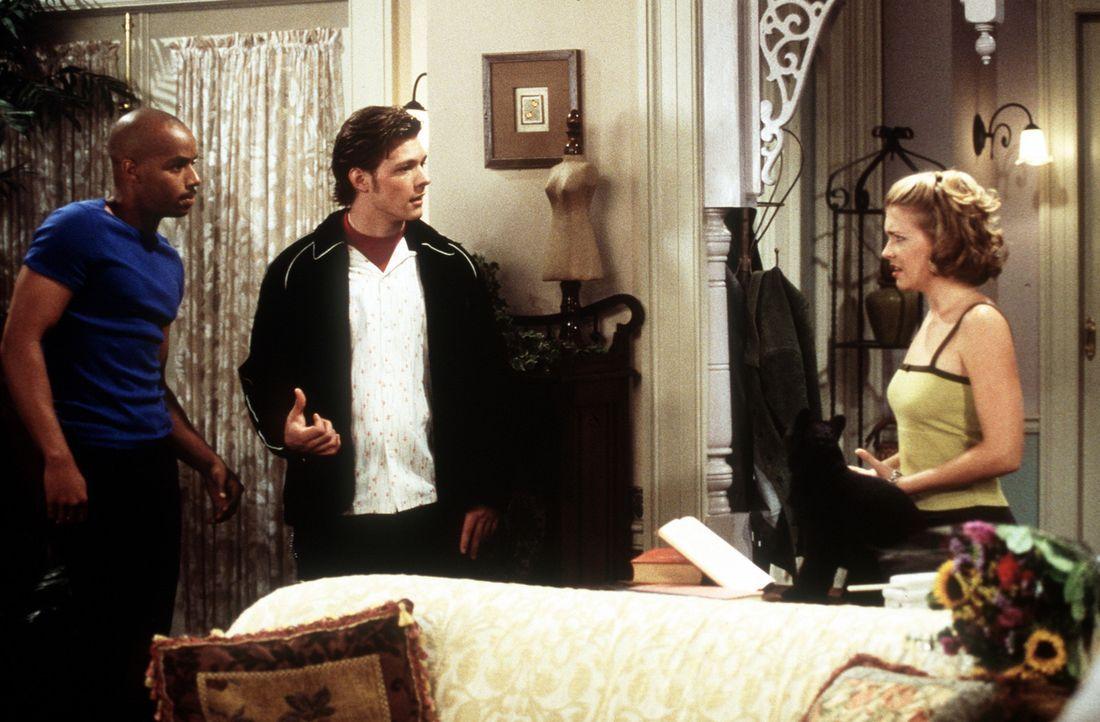 Sabrina (Melissa Joan Hart, r.) muss sich zwischen Dashiell (Donald Faison, l.) und Harvey (Nate Richert, M.) entscheiden. - Bildquelle: Paramount Pictures