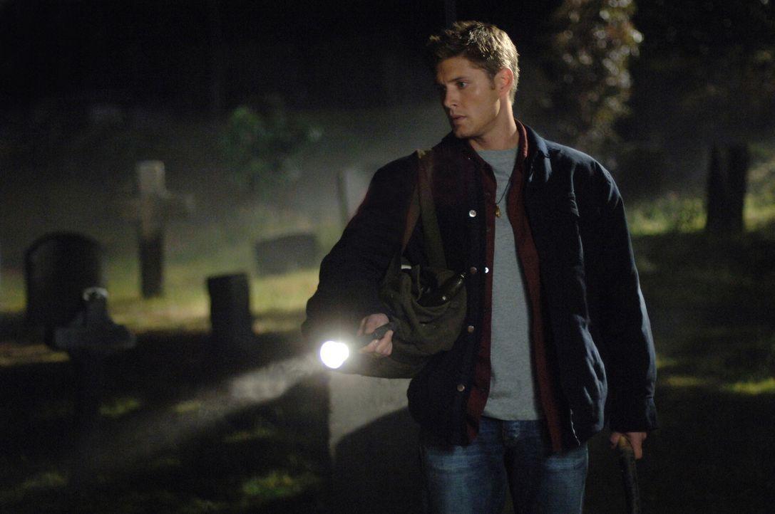 Auf der Suche nach dem richtigen Grab: Dean (Jensen Ackles) ... - Bildquelle: Warner Bros. Television