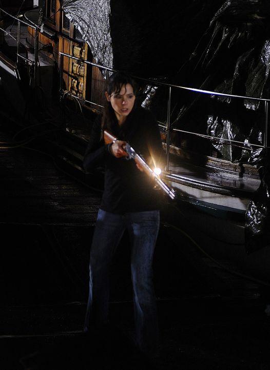 Wakefield ist zurück! Abby (Elaine Cassidy) bangt um ihr Leben ... - Bildquelle: 2009 CBS Studios Inc. All Rights Reserved.